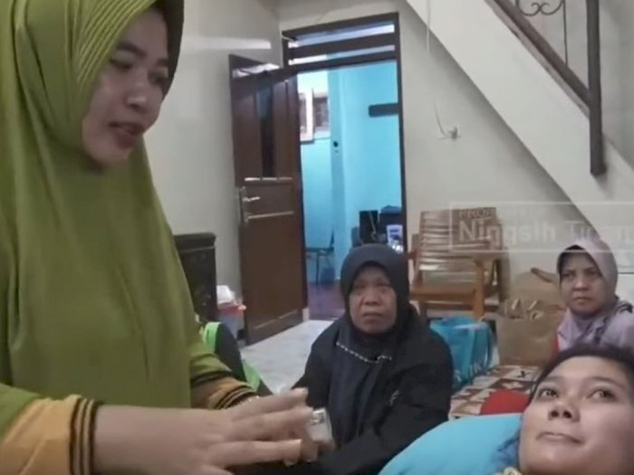 Video Ningsih Tinampi Akui Bisa Panggil Rasulullah dan Malaikat Viral
