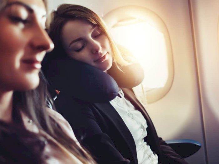 Cara Mudah Tidur di Pesawat, Ini Caranya!