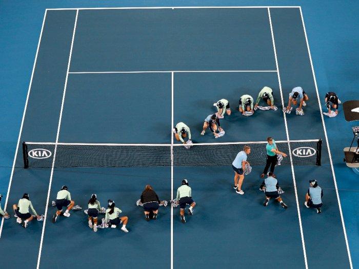 FOTO: Hujan Deras Sempat Hentikan Pertandingan Australia Open