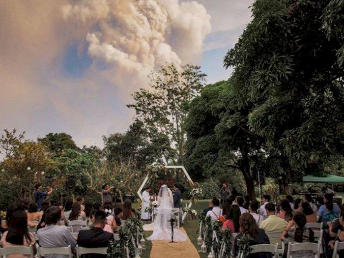 Pernikahan Unik Berlatar Belakang Erupsi Gunung Taal