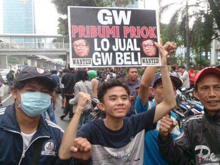 Geruduk Kemenkumham, Aksi Massa: Gw Pribumi Priok, Lo Jual Gue Beli