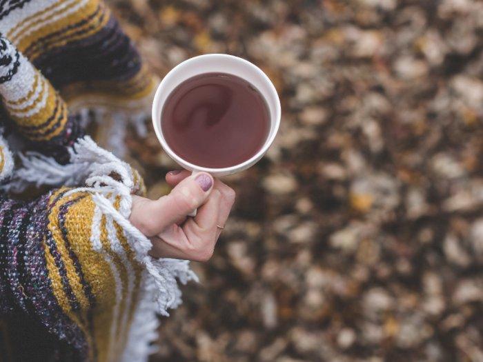 Studi: Minum Teh Bisa Kurangi Risiko Depresi Pada Lansia