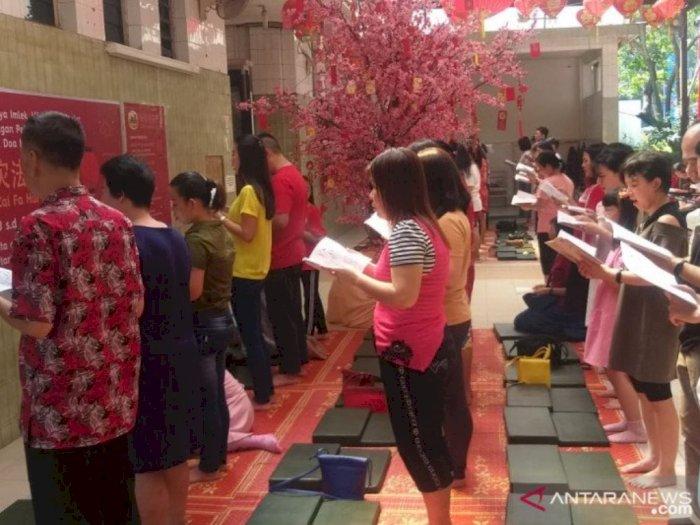 Polisi Jaga Ketat Perayaan Imlek di Wihara Borobudur, Medan