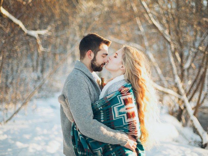 Agar Terhindar Virus Korona, Warga Rusia Diimbau Tak Ciuman