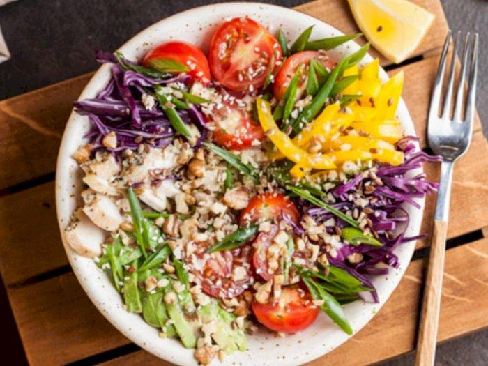 Sedang Diet? Bikin Salad Sayur Segar