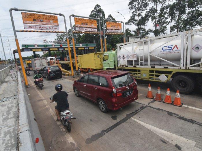 Ada Pekerjaan Fisik di Exit Tol Cibubur, Contra Flow Diberlakukan