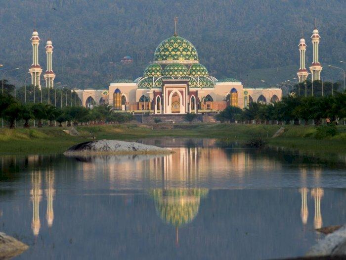 Mirip Taj Mahal, Ini Masjid Agung Termegah di Natuna