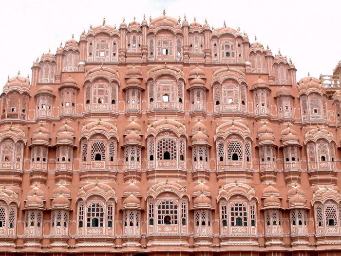 Bangunan Bersejarah Hawa Mahal yang Jadi Ikon Kota Jaipur