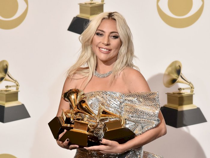 Pacar Lady Gaga Ternyata Bukan Selebriti, Melainkan Pakar Matematika