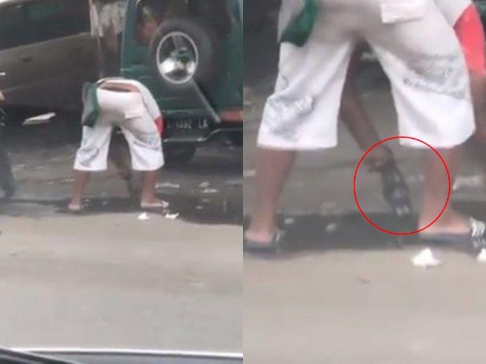 Viral Video Penjual Makanan Cuci Wadahnya di Genangan Air di Jalan