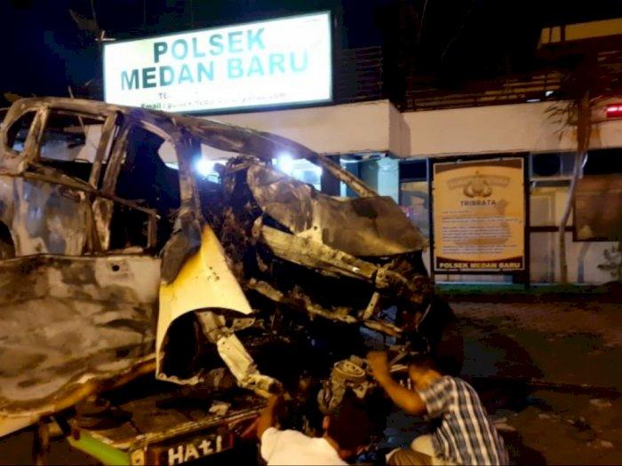 Satu Unit Mobil Terbakar di Padang Bulan, Sopirnya Tewas Terpanggang