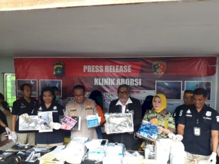 Polisi Gerebek Klinik Aborsi Ilegal di Jakarta Pusat