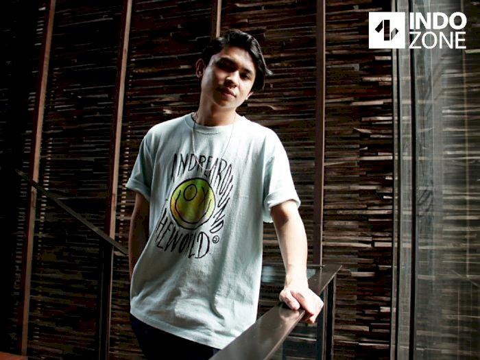 Single Perdana Rheno Poetiray 'Mengincarmu', Maknanya Bikin Baper!
