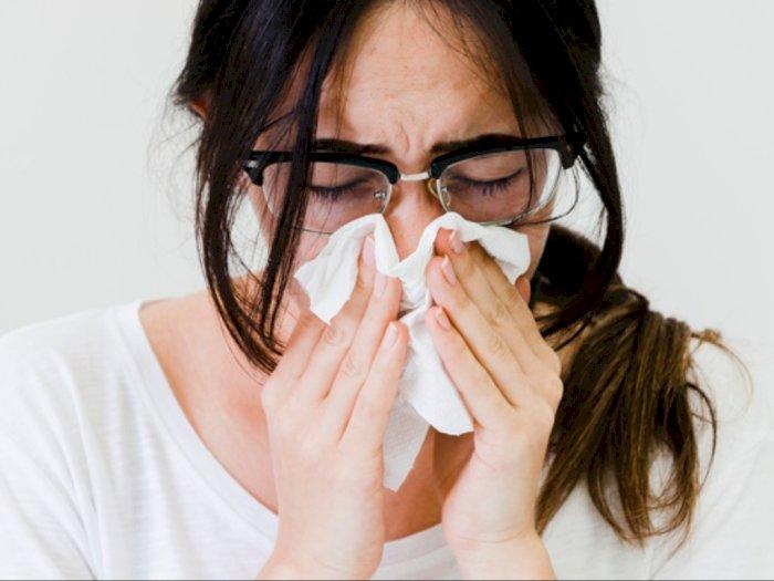 Kebiasaan Bersin atau Batuk Tidak Ditutup? Ketahui Bahayanya