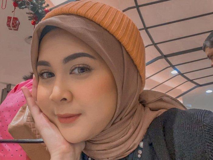 Diduga Kena Tumor Payudara, Kesha Ratuliu Ajak Wanita Lakukan SADARI