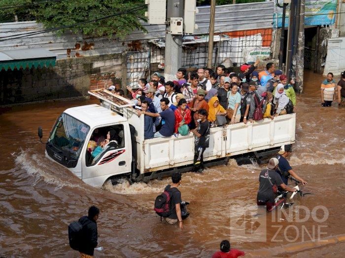 Bantu Anies, DPRD DKI Bentuk Pansus Banjir