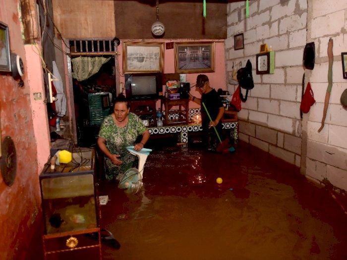 Banjir Landa Jakarta, Ribuan Jiwa Terpaksa Mengungsi