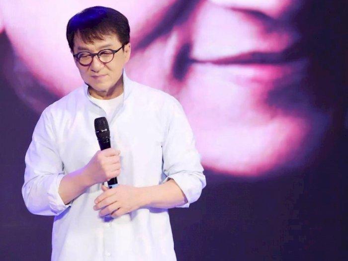Jackie Chan Dirumorkan Jalani Karantina karena Virus Corona