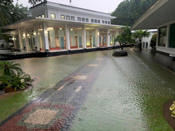 Hujan Deras di Jakarta, Istana Jokowi Sempat Tergenang