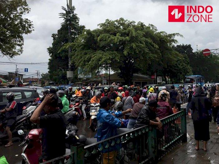 Jakarta Banjir, Tarif Ojek di Stasiun Manggarai Rp200 Ribu
