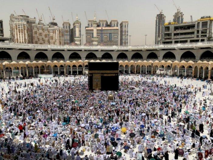 Arab Saudi Stop Ibadah Umrah,  Layanan Visa Dihentikan