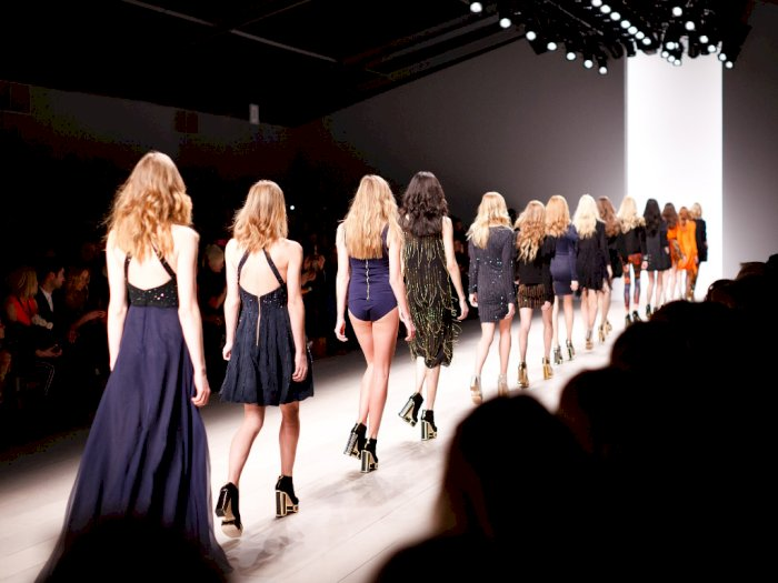 Akibat Virus Corona, Seoul Fashion Week Dibatalkan