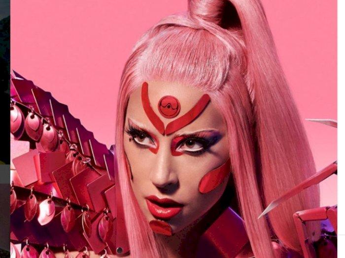 Lady Gaga Pakai Aksesori Desainer Indonesia di Video Klip Stupid Love
