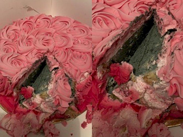 Sial! Perempuan Ini Beli Kue Cantik, Tapi Dalamnya Sudah Berjamur