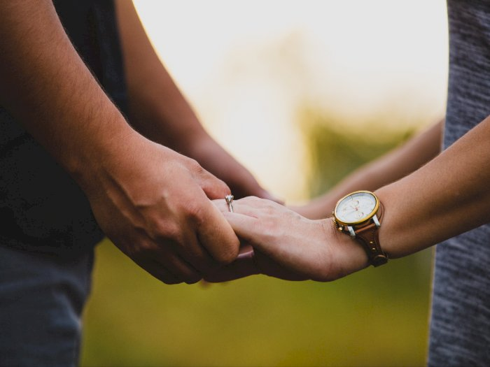 Bila Pasangan Menunjukkan Hal Ini, Itu Pertanda Dia Takut Berkomitmen