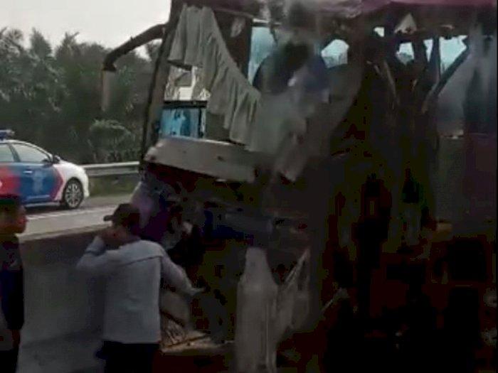 Bus Medan Jaya Tabrakan dengan Truk di Tol Medan- Tebingtinggi