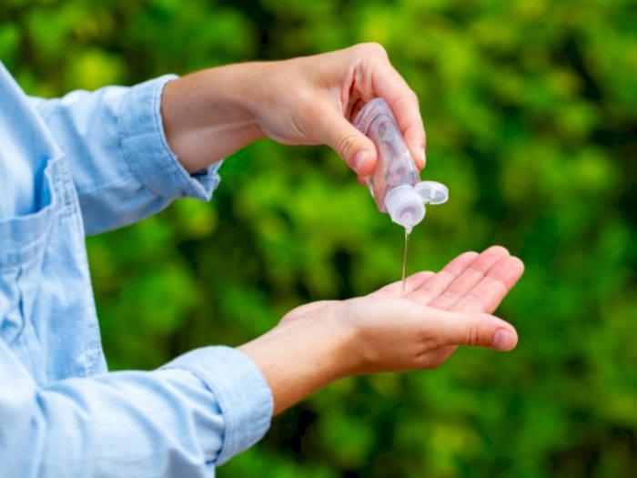 Manakah yang Lebih Efektif, Cuci Tangan atau Pakai Hand Sanitizer?