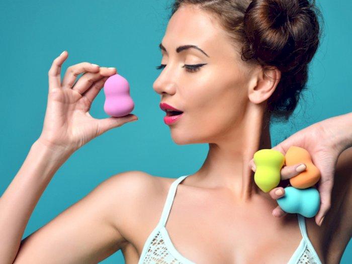 Jangan Sembarangan, Ini Cara Membersihkan Beauty Blender yang Benar