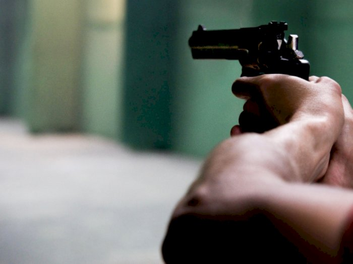 Ponsel Anak Disita, Wali Murid Datang Bawa Pistol dan Pukul Kepsek