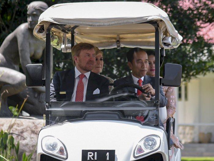 FOTO: Momen Jokowi Sopiri Raja dan Ratu Belanda di Istana Bogor