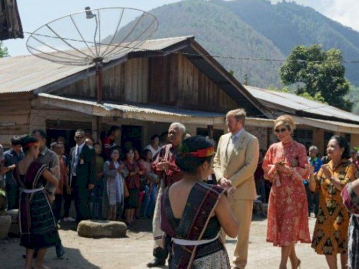 Tiba di Siambat Dalan, Raja dan Ratu Belanda Disambut Tarian Tortor