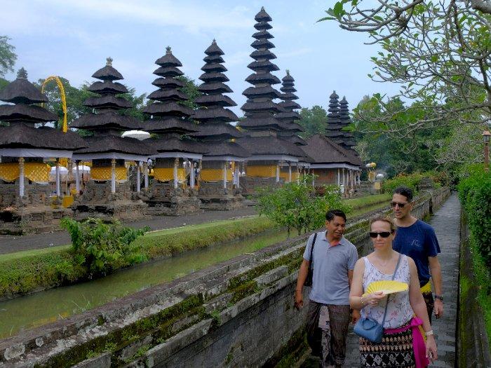 Di Tengah Corona, Hanya Segini Jumlah WNA yang Datang ke Bali