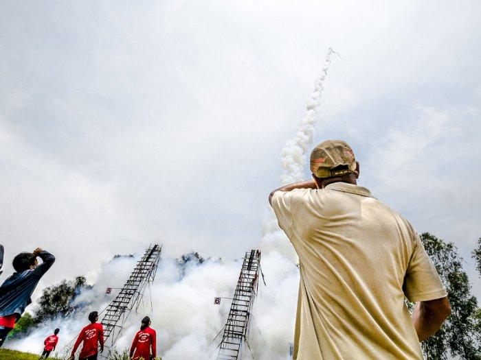 Festival Bun Bang Fai, Menembakkan Roket Untuk Meminta Hujan pada Dewa