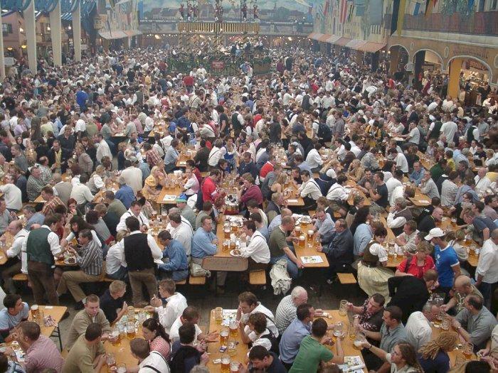 Oktoberfest, Festival Minum Bir dalam Jumlah Besar di Jerman