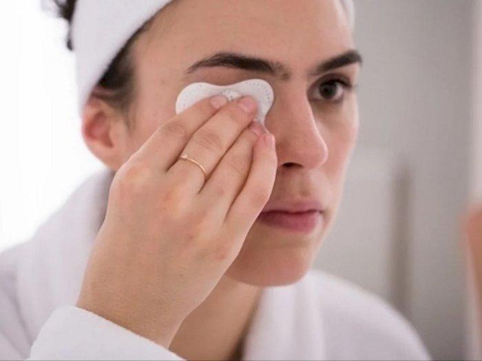 Kenapa Harus Pakai Micellar Water untuk Menghapus Makeup?