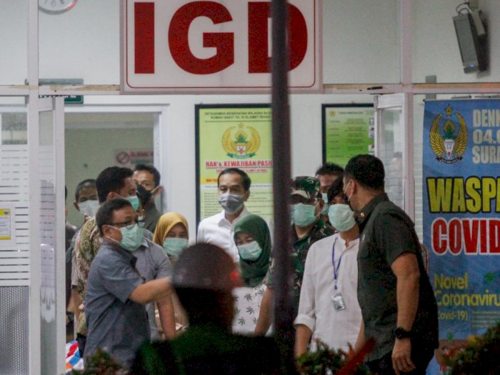 FOTO: Presiden Jokowi Jemput Jenazah Ibunda di RST Slamet Riyadi