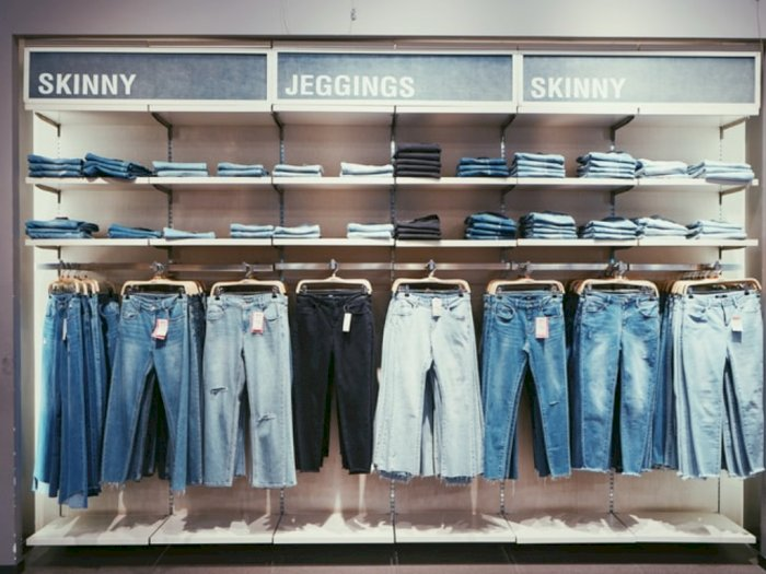 Model Celana Jeans yang Tren di Tahun 2020, Kamu Sudah Punya?