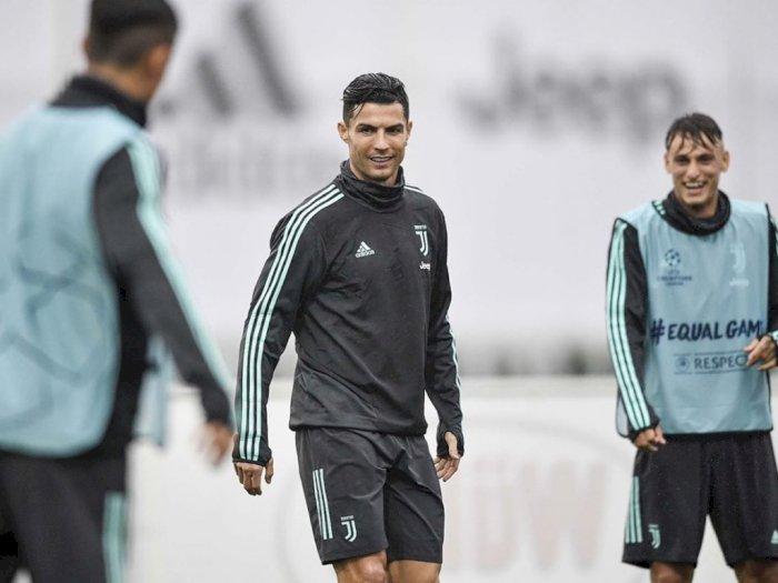 Ini Pesan Cristiano Ronaldo Untuk Penggemar di Tengah Pandemi Virus Corona