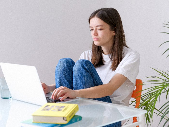 Ini 3 Cara Agar Terhindar dari Sakit Punggung Saat Bekerja di Rumah