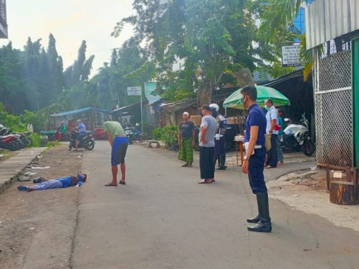 Seorang Perempuan Pingsan Dekat Halte Transjakarta Klender, Diduga Depresi