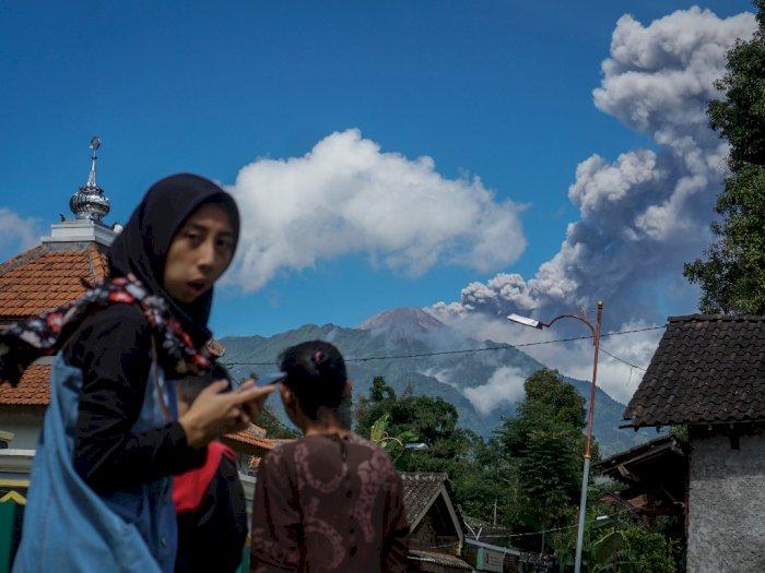 Erupsi Gunung Merapi, Wilayah Pakis dan Dukun Magelang Diguyur Hujan Abu