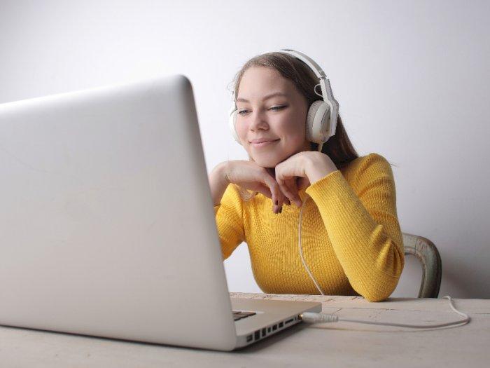 Mendengarkan Musik yang Tepat saat Belajar Dapat Meningkatkan Kemampuan Otak