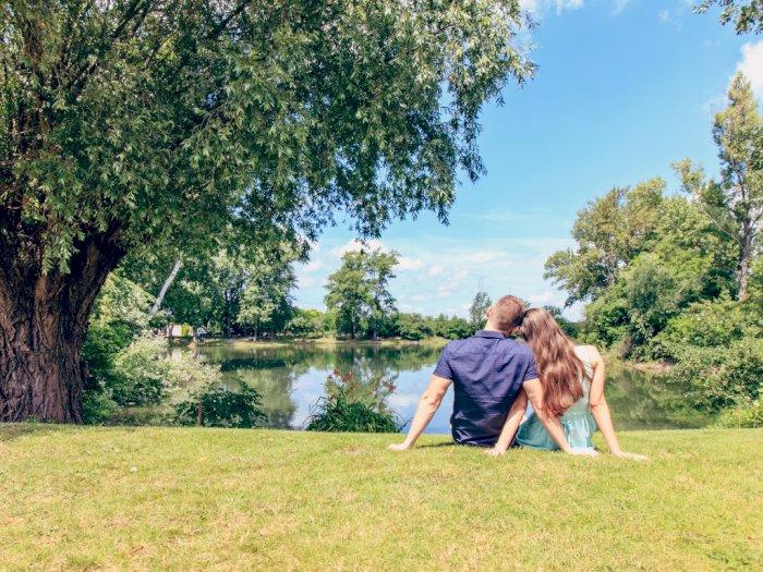Di Tengah Lockdown, Pasangan Ini Malah 'Mantap- Mantap' di Taman Kota London