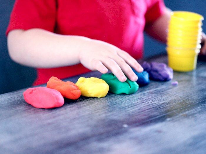 3 Rekomendasi Mainan Imajinatif Tepis Kebosanan Anak Selama di Rumah