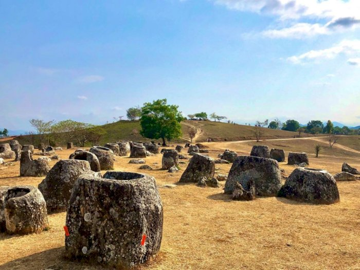 FOTO: Plain of Jars, Situs Prasejarah Semacam Stonehenge di Laos