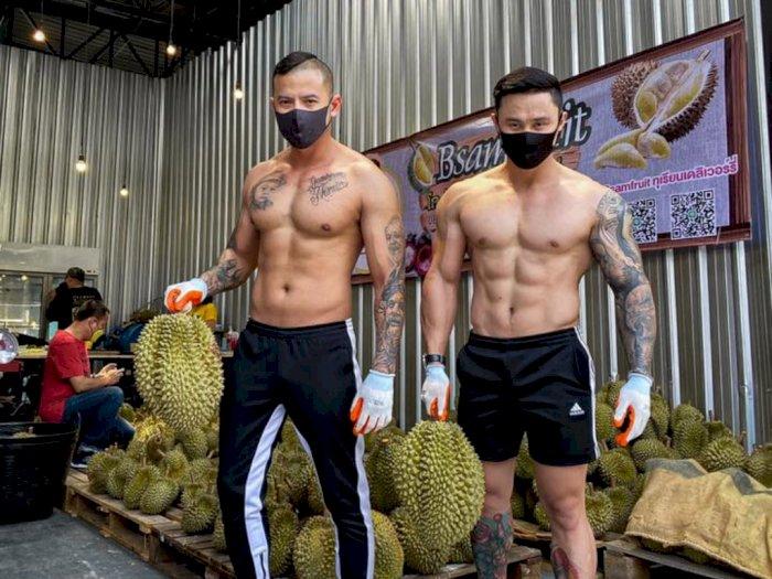 Banting Setir Cari Kebutuhan Sehari-hari, Para Instruktur Gym Ini Jualan Durian